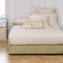 Howard Elliott Coco Peridot Platform Bedroom Set