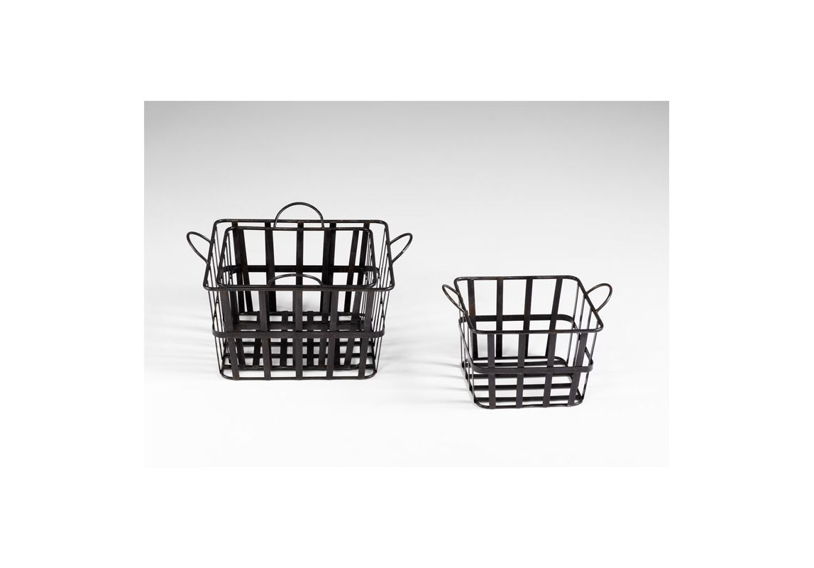 "Cyan Design 04715 16.5"" Wire Grocery Basket Raw Steel Home Decor Boxes"